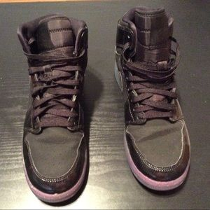 Nike Black Jordan size 6 youth